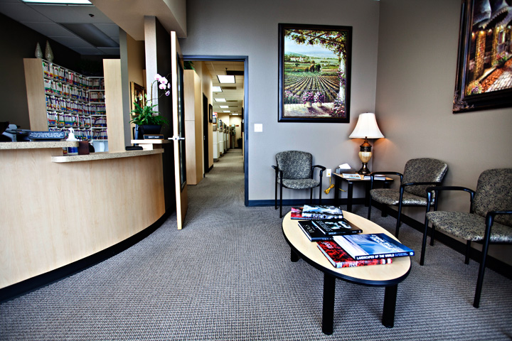 Dentist Hillsboro Oregon Dentist Tanasbourne Dr Jenkins Office Dental Reception Area TDCweb140
